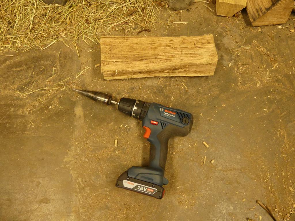 Ein Kegelspalter, um Holz zu zerkleinern